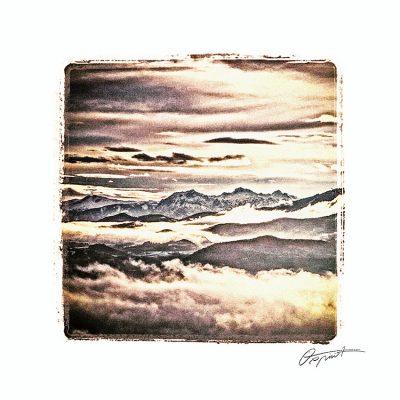 Montagnes enneigées des Hautes Alpes
