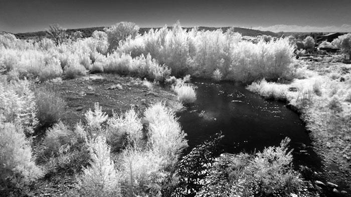 Photo infrarouge de l'Orbieu à Fabrezan dans l'Aude