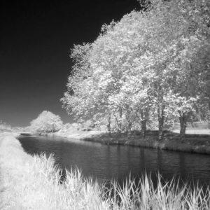 Photo infrarouge du Canal du midi à Ventenac en Minervois
