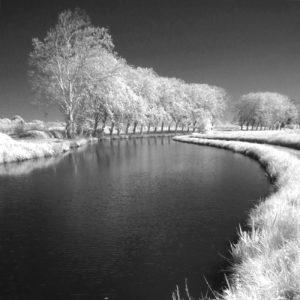 Photo infrarouge du Canal du midi Ventenac en Minervois